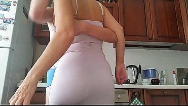 Mature Mom Fucking in The Kitchen - VidioCams.com