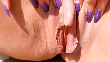 Watch Mom Squirt as She Plays w: Her Big Clit - Join Freee at MOISTCAMGIRLS.COM