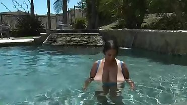 Black Bbw Mom fucked Outdoors