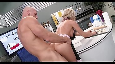 Sindy Lange gets fucked in the kitchen