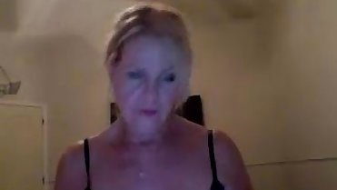 babe newmommy4u fingering herself on live webcam  - 6cam.biz
