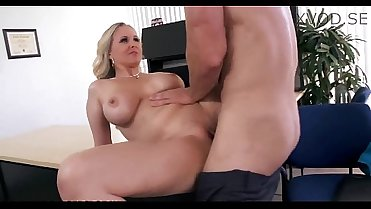 Julia Ann Gets A New Job And Fucks The Boss On The First Day [xVOD.se]