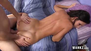 Hot Stepmom Hooks Up With Her Stepson!