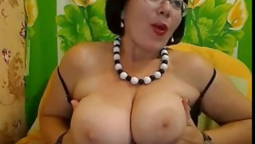 Hot Mom Cam