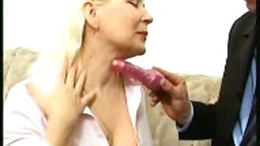 Old Mature Sugar Mommy Seduced A Dildo Salesman
