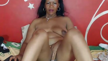 BLACK MOM WEBCAM