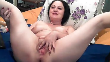 Wettmommy anal in cam