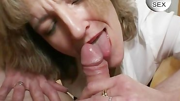 MOM HUNGRY FOR CUM