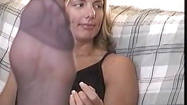 Sexy Big Feet and Soles in Nylons MILF