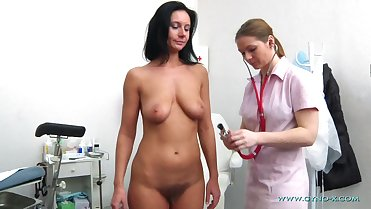 Careen Gyno Exam. MILF runette examination by gynaecologist with speculum