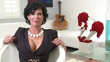 VERONICA AVLUV the dirty Milf
