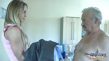 mouth is filled with a cock and his spermshot-XXWIFE.COM