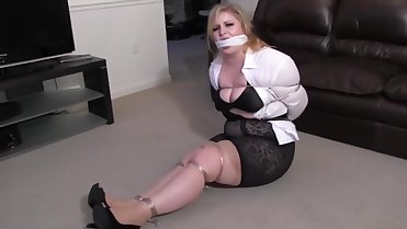 Jenna Gets Wired Tied