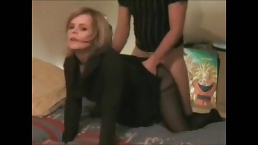 Screaming and Moaning wife get fucked