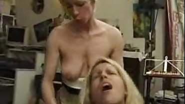 Nice french mature threesome in art studio